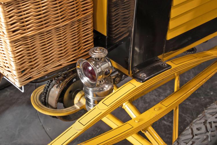 1900 Locomobile Runabout 18