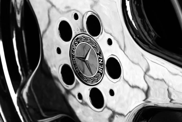 2000 Mercedes-Benz SL500 17