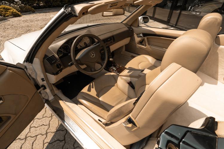 2000 Mercedes-Benz SL500 28