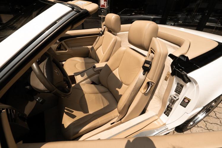 2000 Mercedes-Benz SL500 35