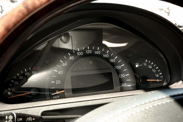 2003 Mercedes-Benz G400 V8 CDI 39