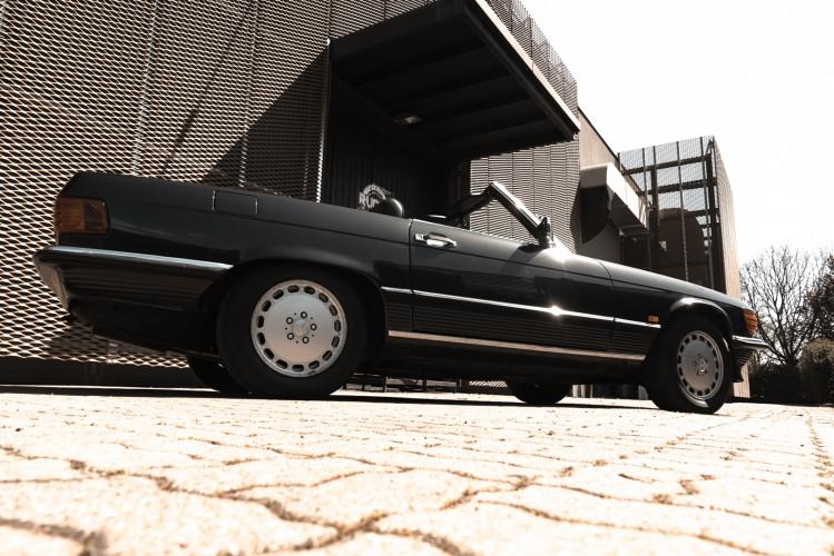 1989 Mercedes-Benz SL 300  4