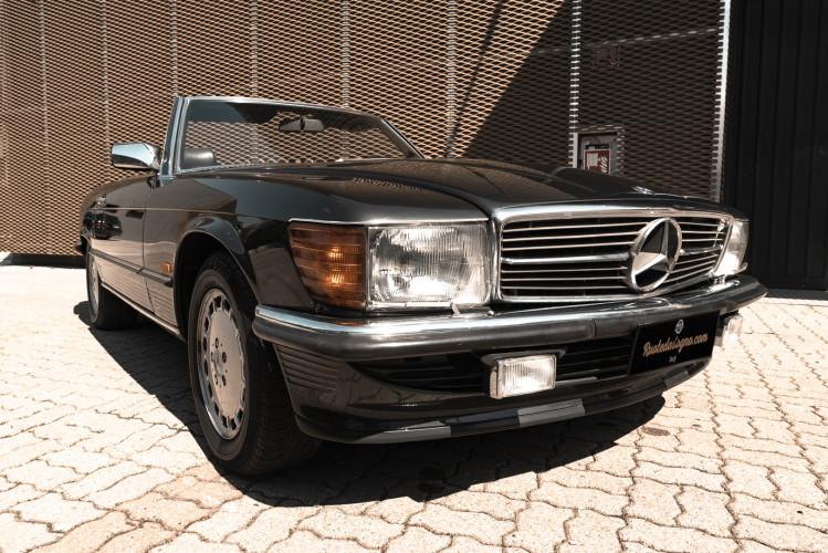 1989 Mercedes-Benz SL 300  2