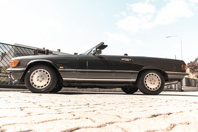 1989 Mercedes-Benz SL 300  1
