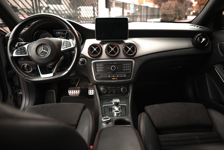 2015 Mercedes-Benz GLA AMG 45 21