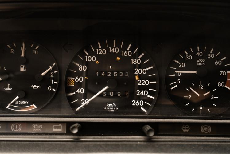 1985 Mercedes-Benz 190E 2.3-16 18