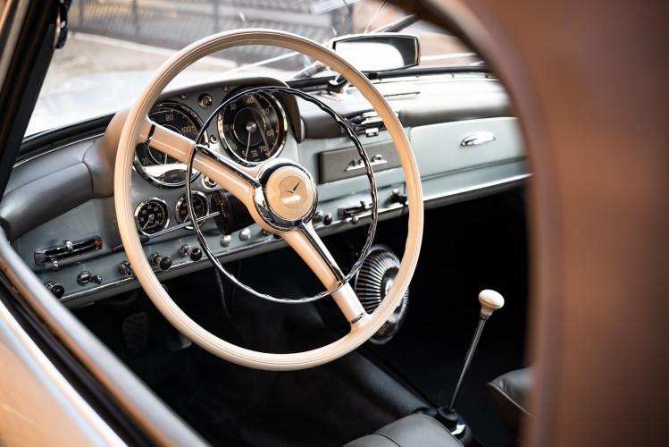 1956 Mercedes-Benz 190 SL 24