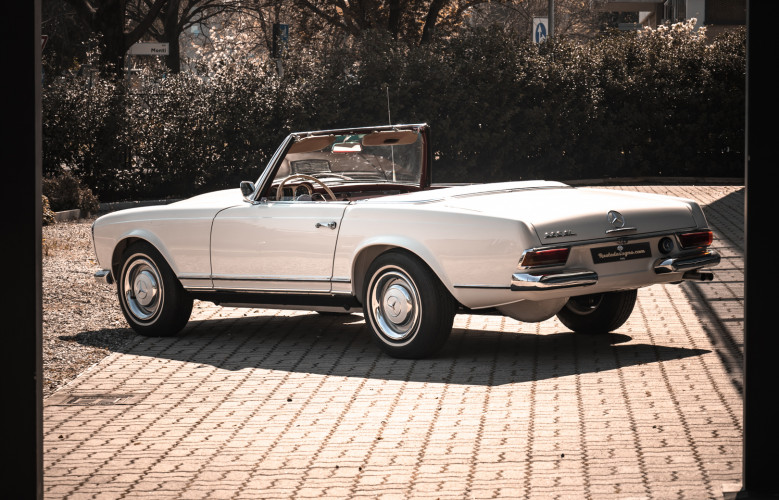 1966 Mercedes-Benz SL 230 Pagoda 3