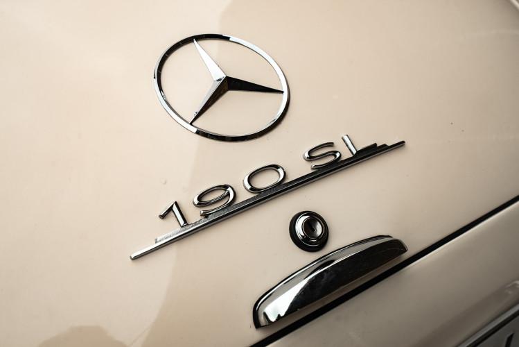 1958 Mercedes-Benz 190 SL 33
