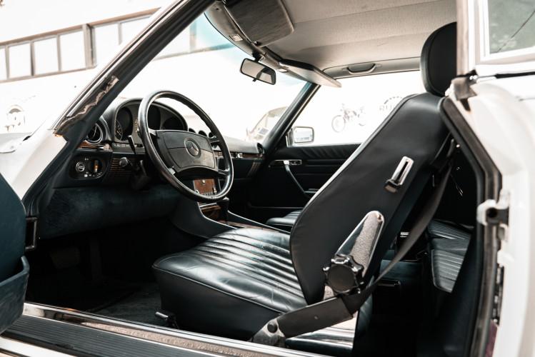 1985 Mercedes-Benz SL 560 21