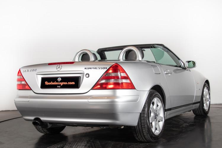 2000 Mercedes-Benz SLK 4