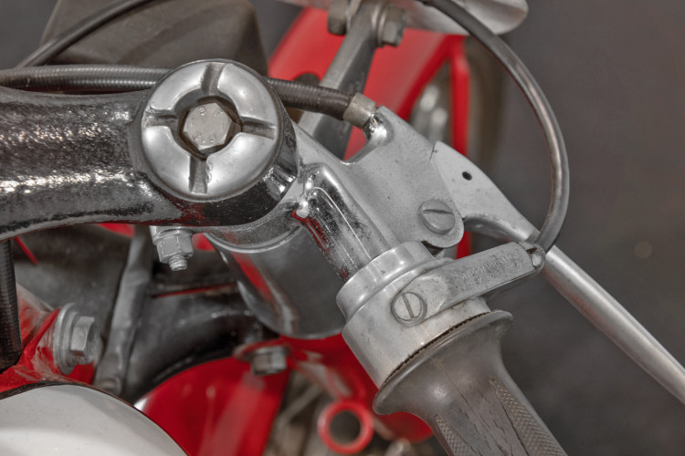 1956 Mondial Champion Lusso 175 10