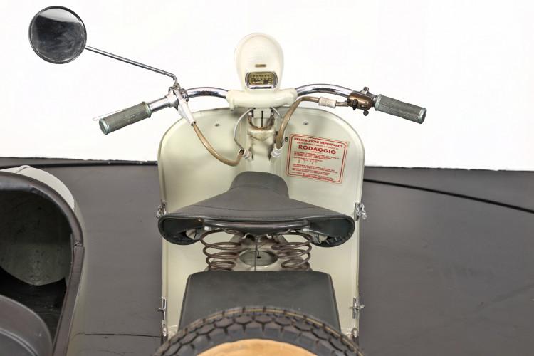 1955 Piaggio Vespa Struzzo Sidecar 9