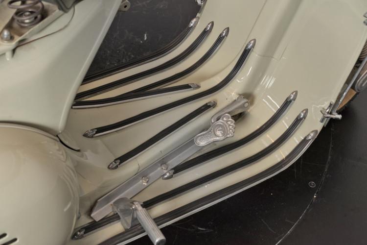 1955 Piaggio Vespa Struzzo Sidecar 13