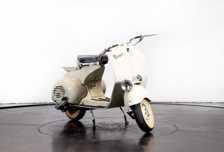 1953 Piaggio Vespa 125  3