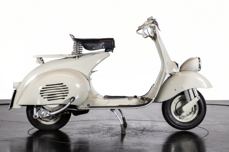 1954 Piaggio Vespa faro basso 2