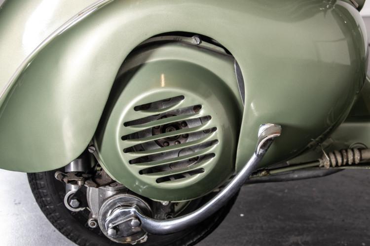 1950 Piaggio Vespa 125 V15 19