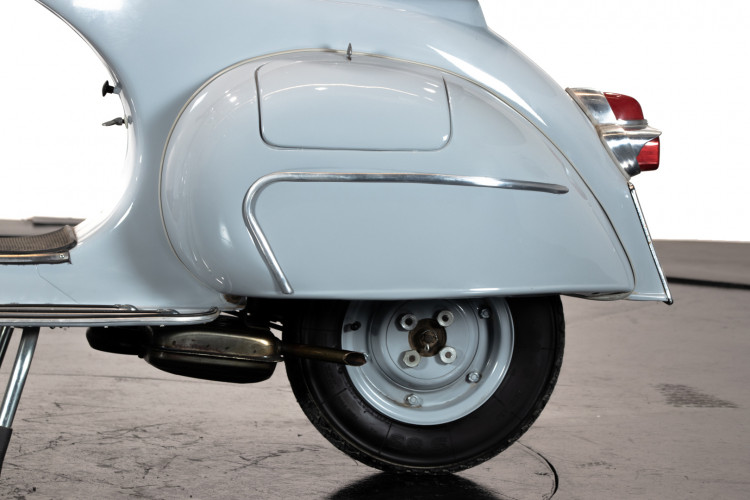1963 Piaggio Vespa 125 VNB4T 8