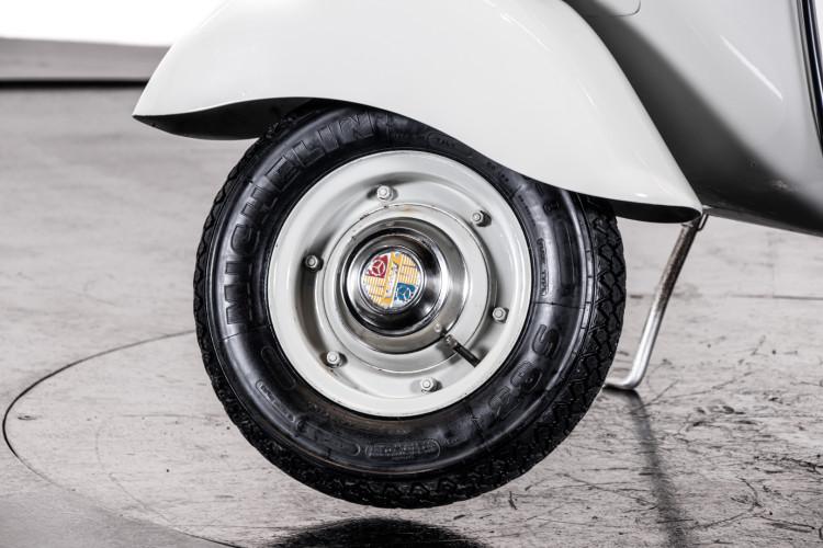 1957 Piaggio Vespa 125 Faro Basso '57 5