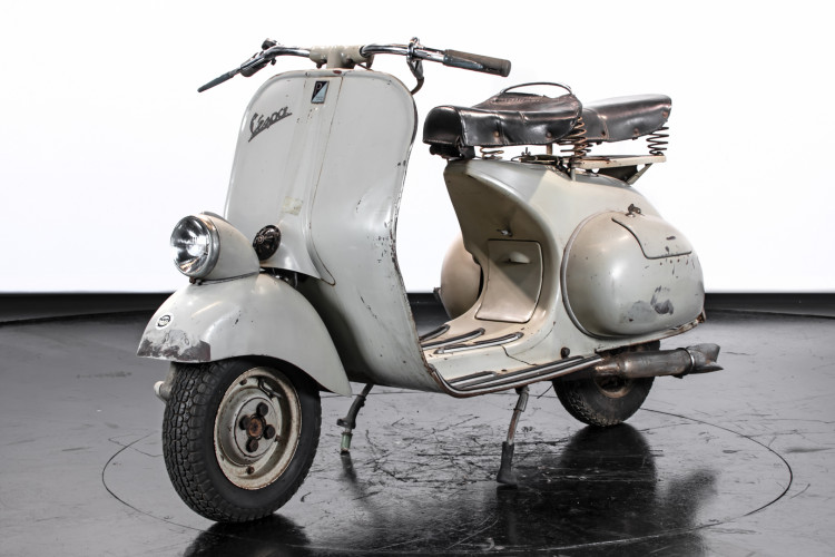 1953 Piaggio Vespa VM1 125  2