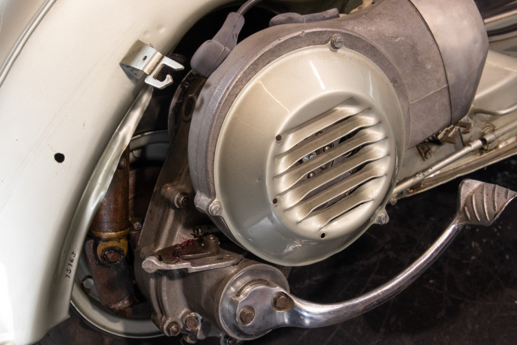 1950 Piaggio Vespa 98 21