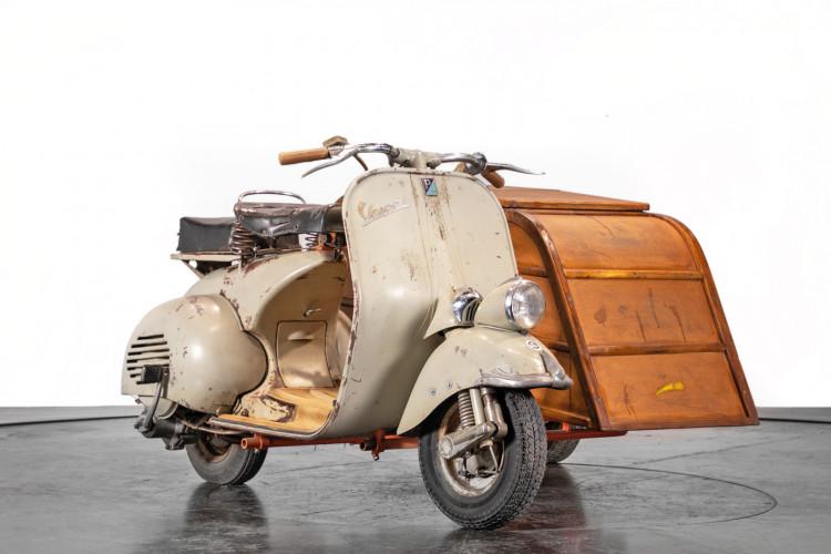 1953 Piaggio Vespa Sidecar faro basso 3