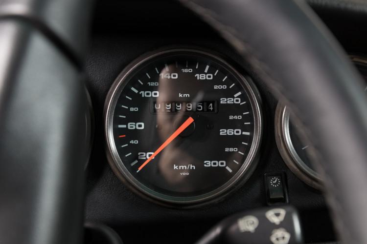 1997 Porsche 993 Carrera 2 S 17