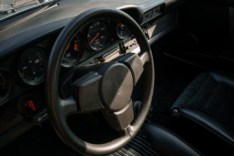 1977 Porsche 911 SC 31