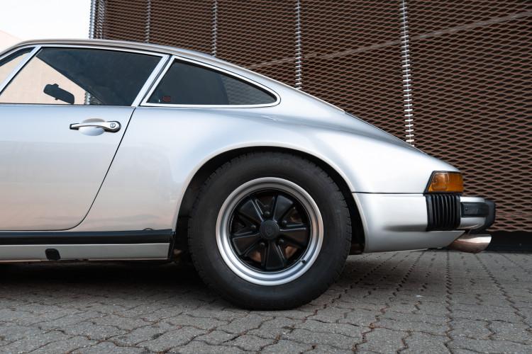 1977 Porsche 911 SC 14