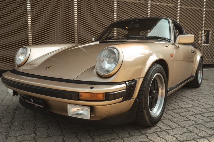 1985 Porsche 911 Carrera 3.2 Targa 0