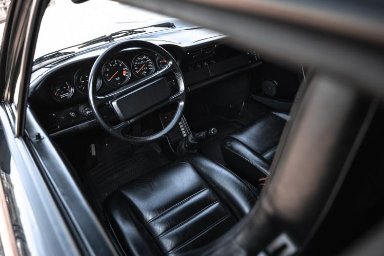 1986 Porsche 911 Carrera 3.2 Cabrio 23