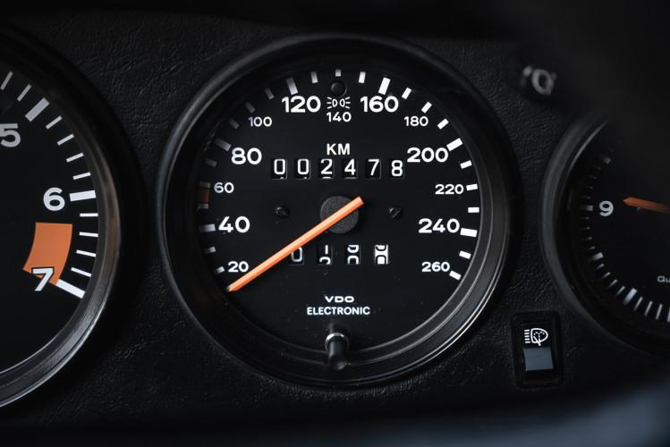 1986 Porsche 911 Carrera 3.2 Cabrio 27