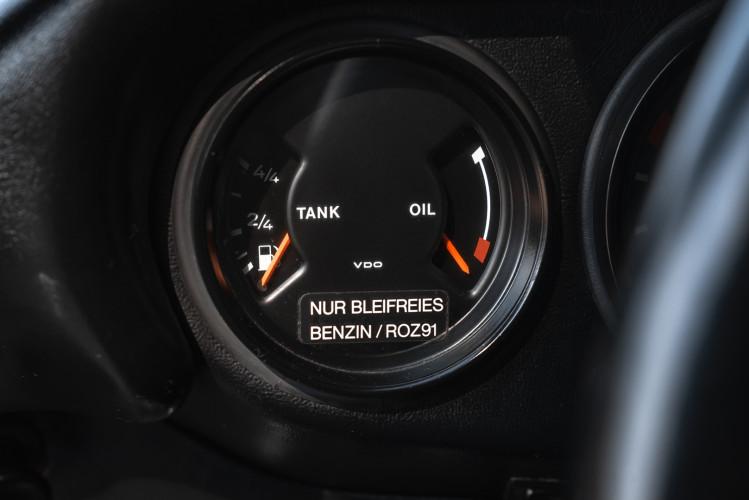 1986 Porsche 911 Carrera 3.2 Cabrio 35
