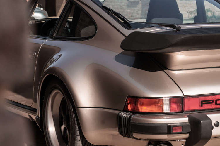 1985 Porsche 930 Turbo 42