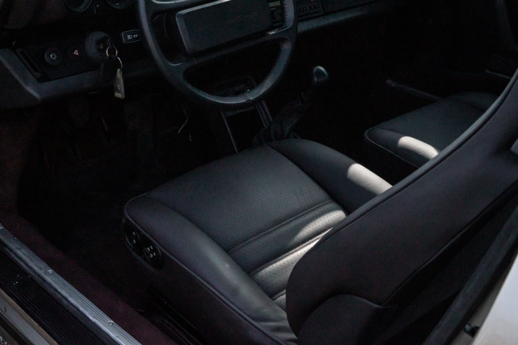 1985 Porsche 930 Turbo 44
