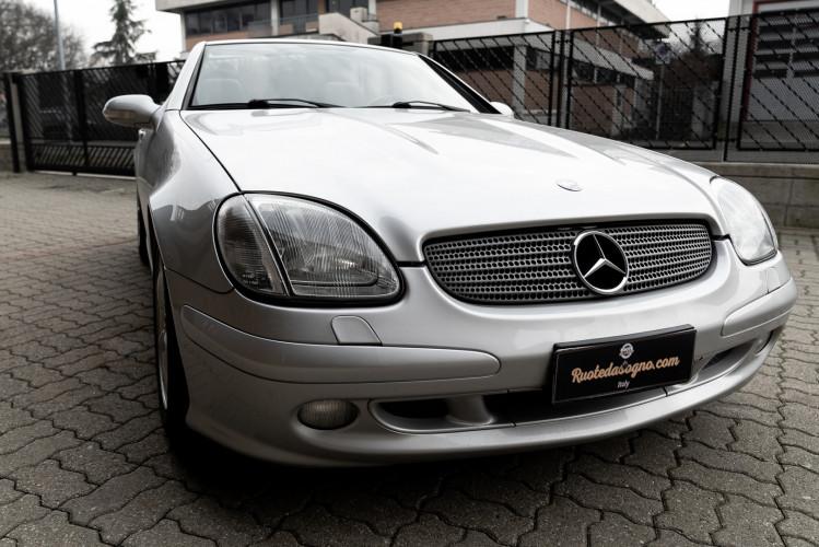 2000 Mercedes-Benz 320 SLK 19