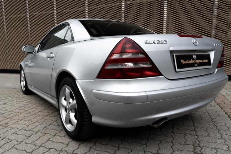 2000 Mercedes-Benz 320 SLK 2