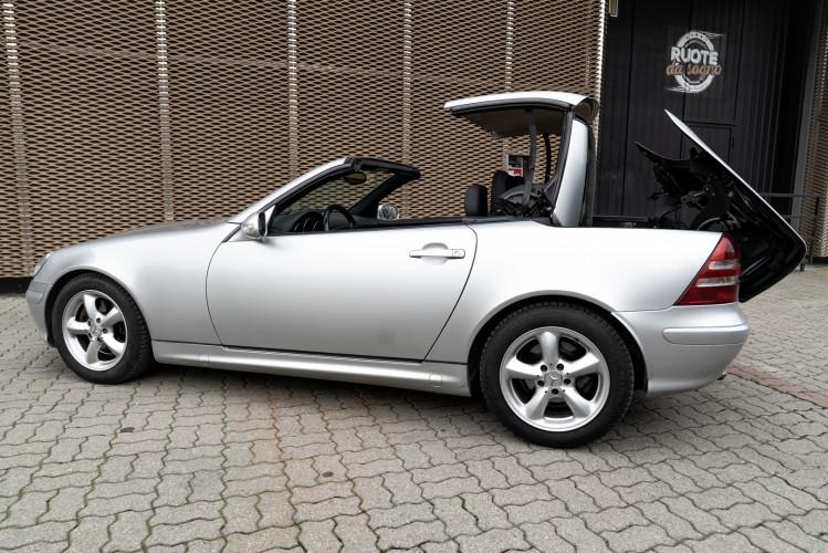 2000 Mercedes-Benz 320 SLK 27