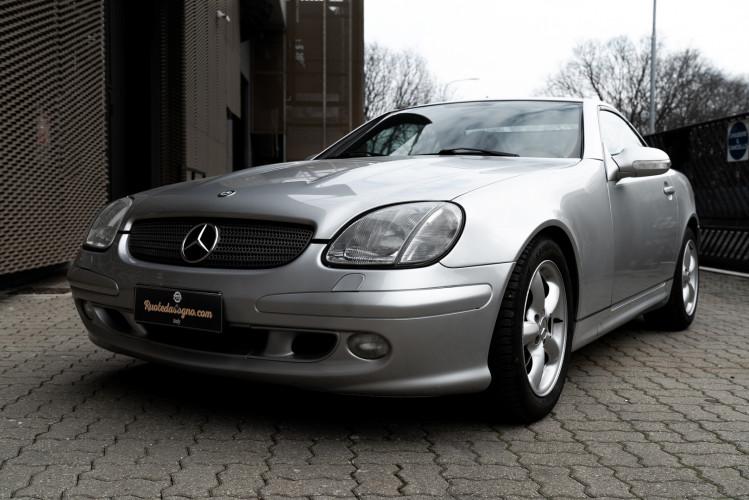 2000 Mercedes-Benz 320 SLK 3