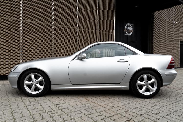 2000 Mercedes-Benz 320 SLK 7