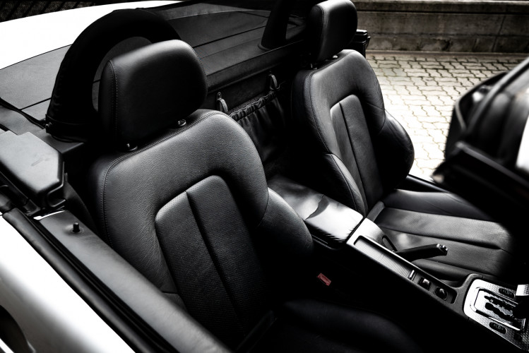 2000 Mercedes-Benz 320 SLK 44