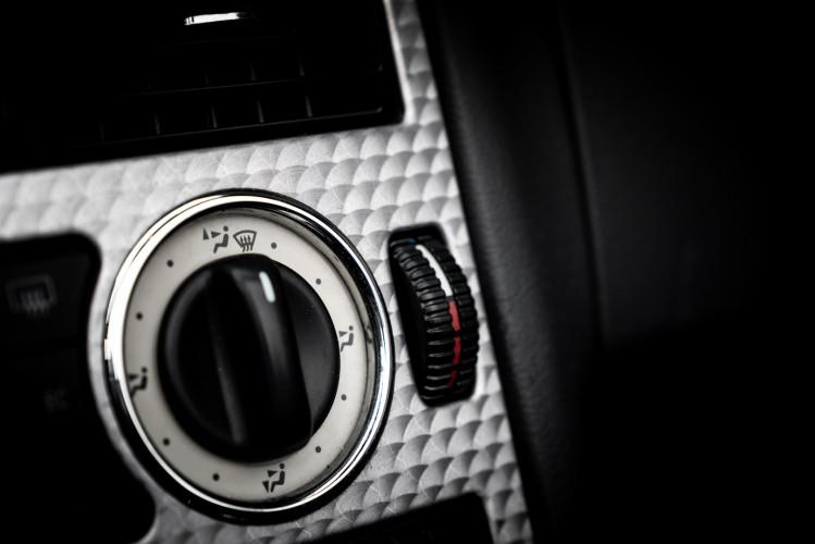 2000 Mercedes-Benz 320 SLK 48