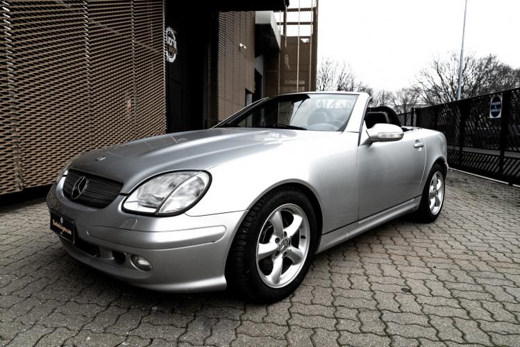 2000 Mercedes-Benz 320 SLK 46