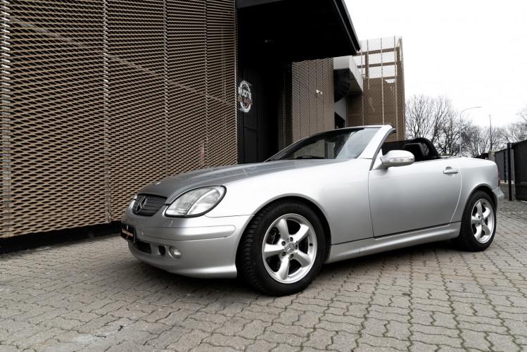 2000 Mercedes-Benz 320 SLK 52