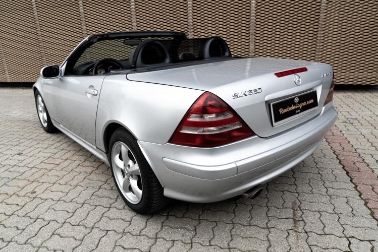 2000 Mercedes-Benz 320 SLK 21