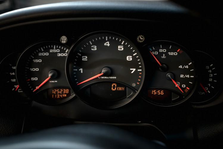 2001 Porsche 996 Carrera Cabrio 29
