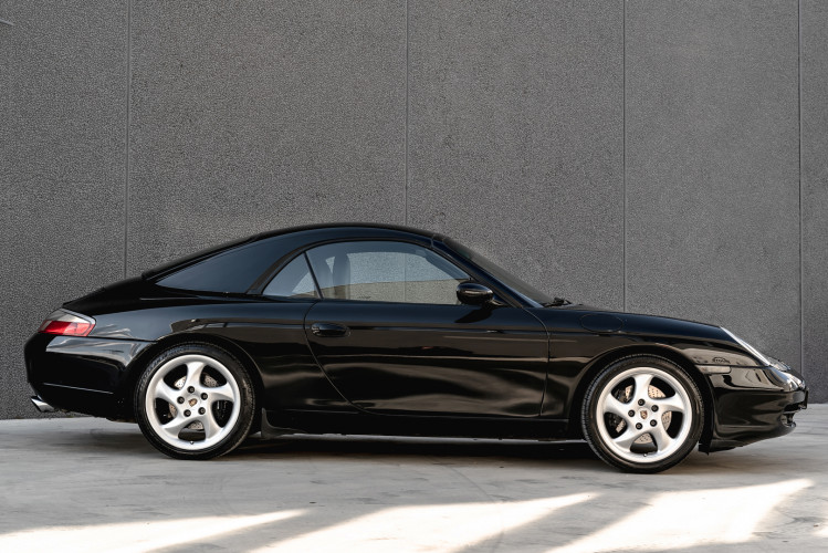 2001 Porsche 996 Carrera Cabrio 2