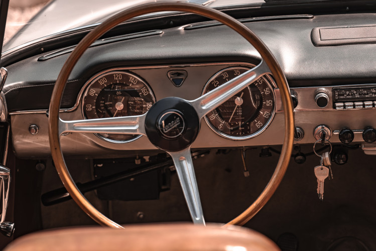 1963 Lancia Flaminia Touring Convertible 2500 3C  24