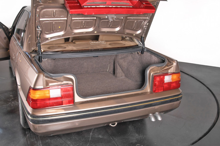 1988 Austin Rover XS 820 Sterling 24