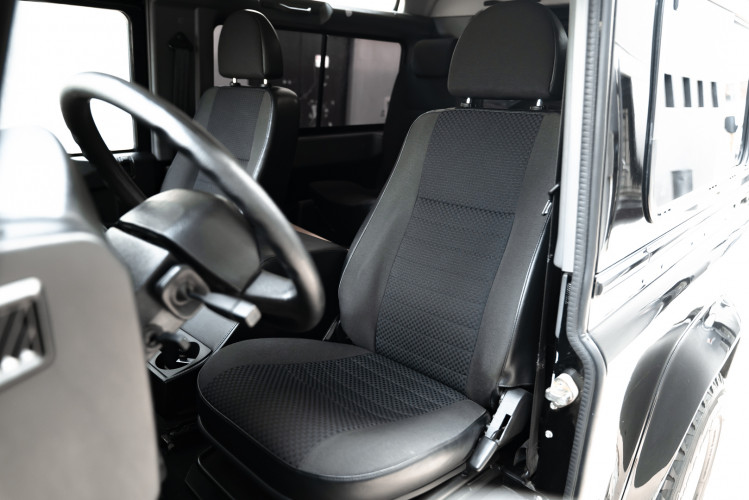 2008 Land Rover Defender 90 2.4 TD4 33